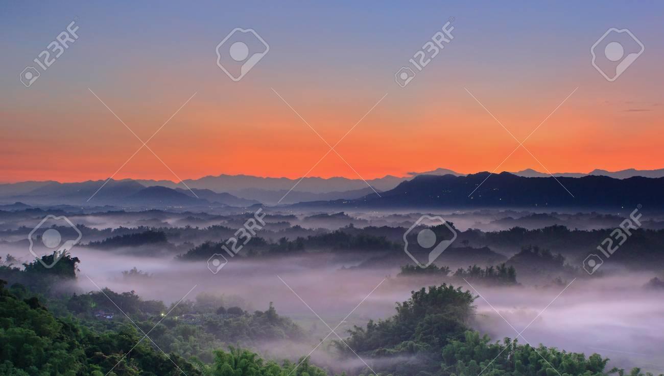 Beautiful cloud sea and sunset Stock Photo - 10864596