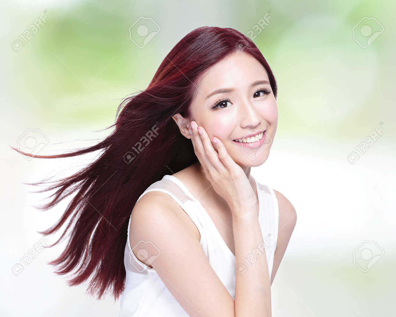 Beauty woman with charming smile with health skin, teeth and hair with nature green background, asian beauty Stock Photo - 46115887