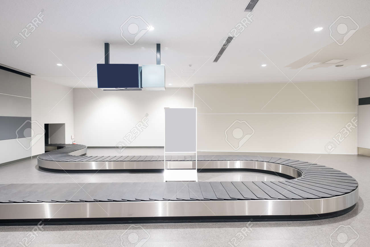 Baggage conveyor belt at the airport in the japan - 94363001