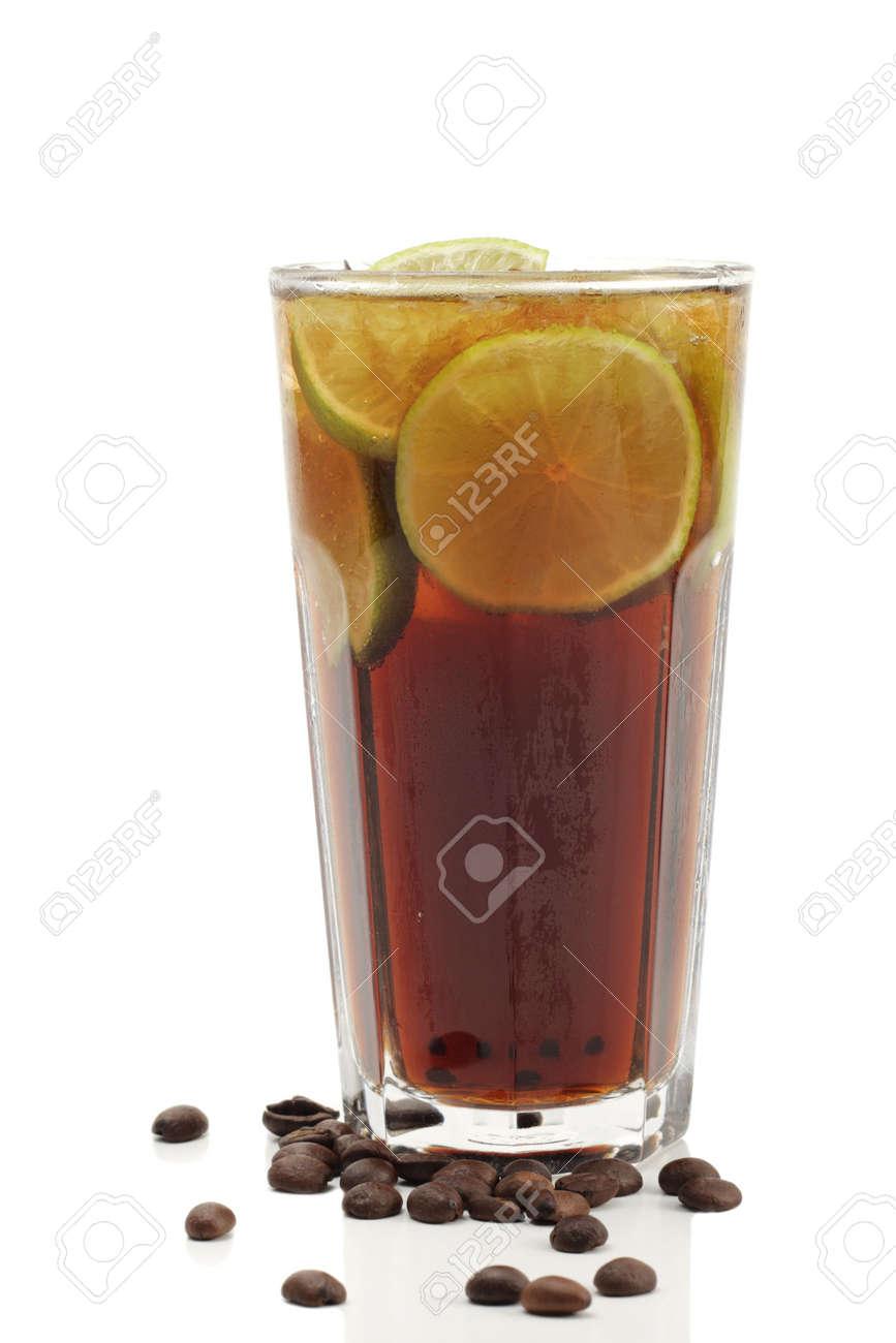 コーラ テキーラ メキシコ風味のコーラ?いいえ、テキーラのコーラ割りカクテル【メキシコーラ】のカクテルレシピ