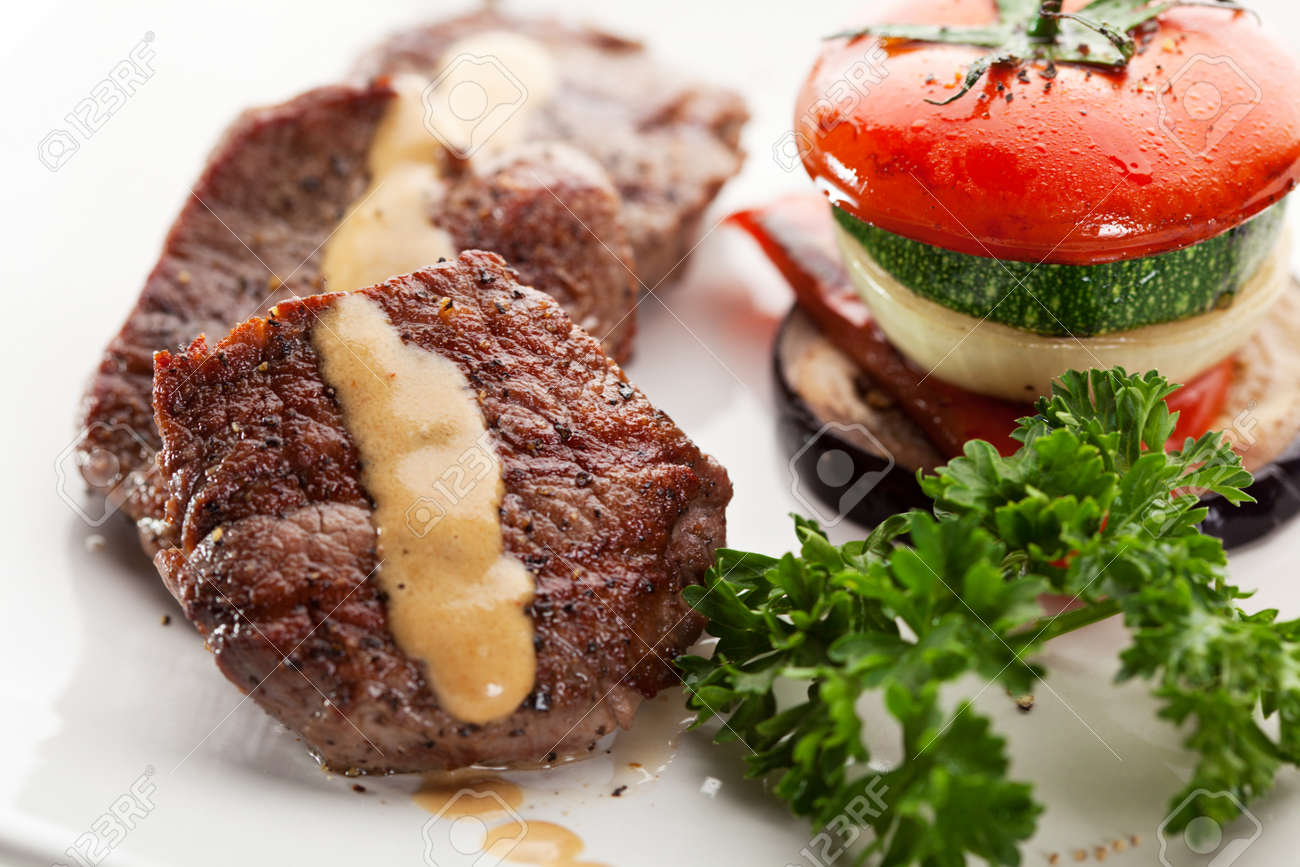 Beef Steak with Vegetables and Parsley Stock Photo - 13676864