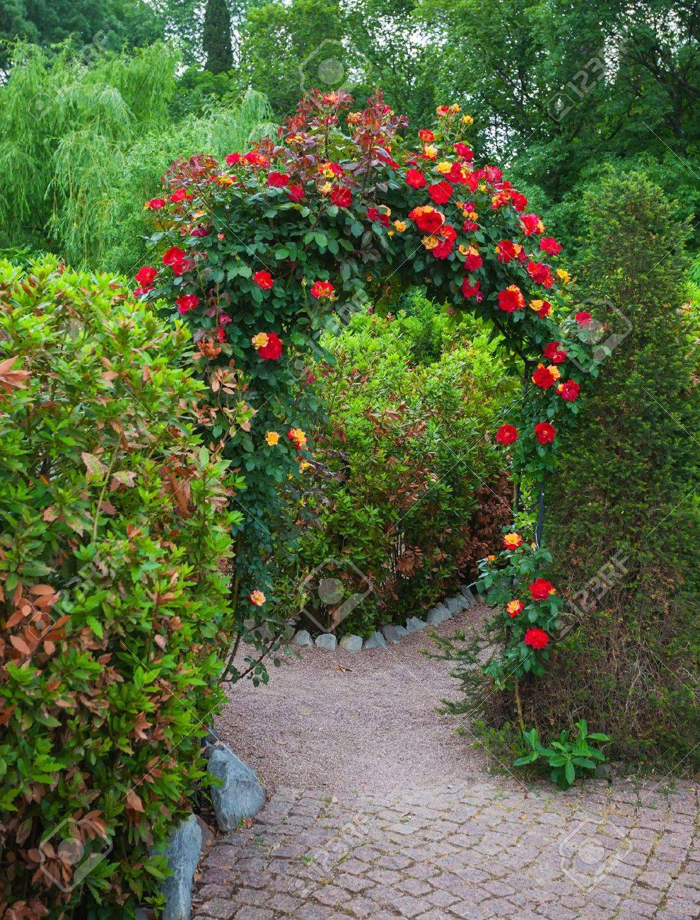 Rose Arch In English Country Garden The Nikitsky Botanical Crimea Ukraine Stock