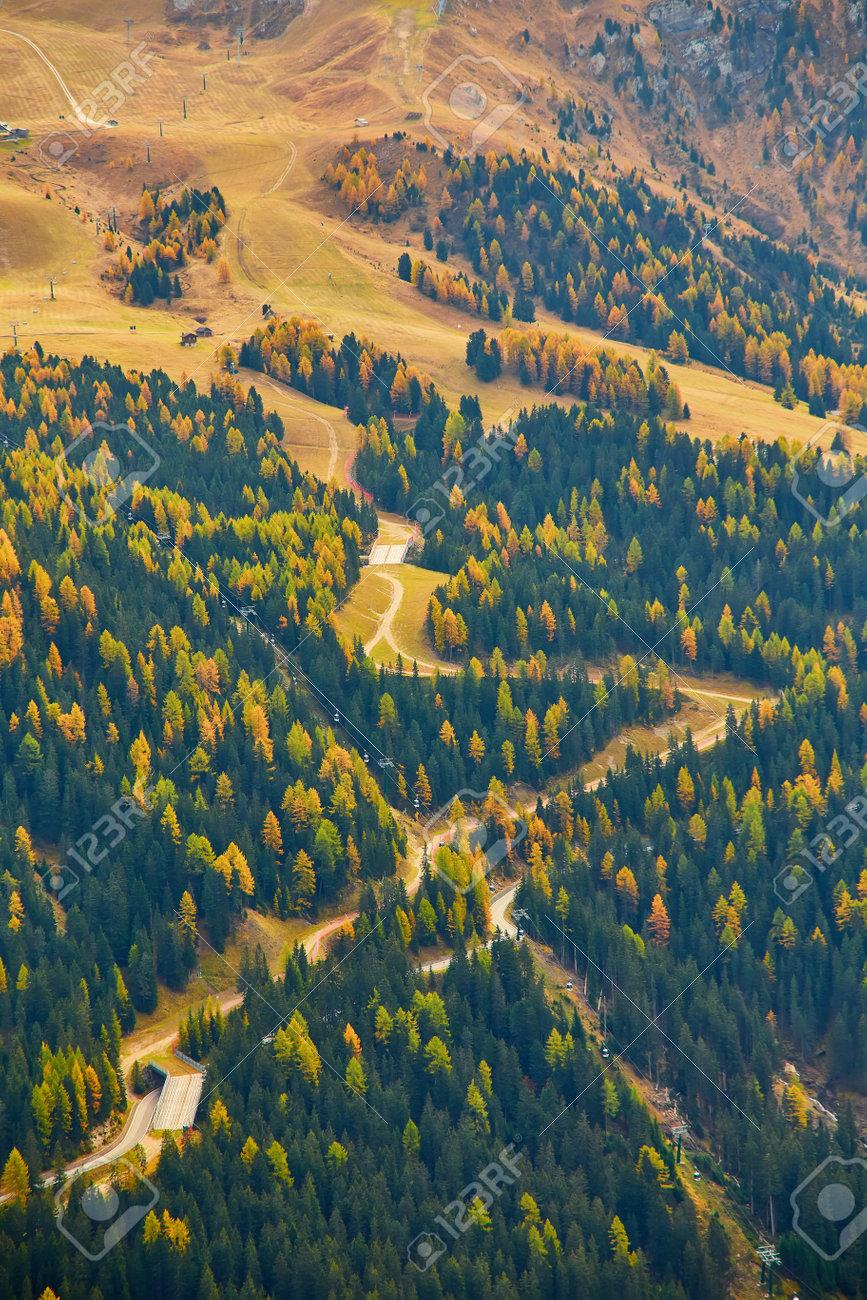the beautiful Italian Dolomites an autumn day - 173011387