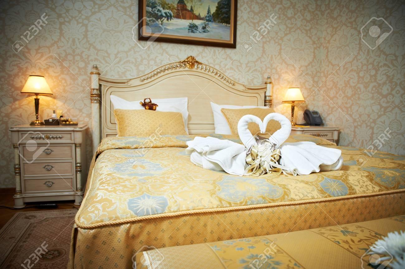 Belle Chambre D Hotel Pour Gens Amoureux Banque D Images Et Photos