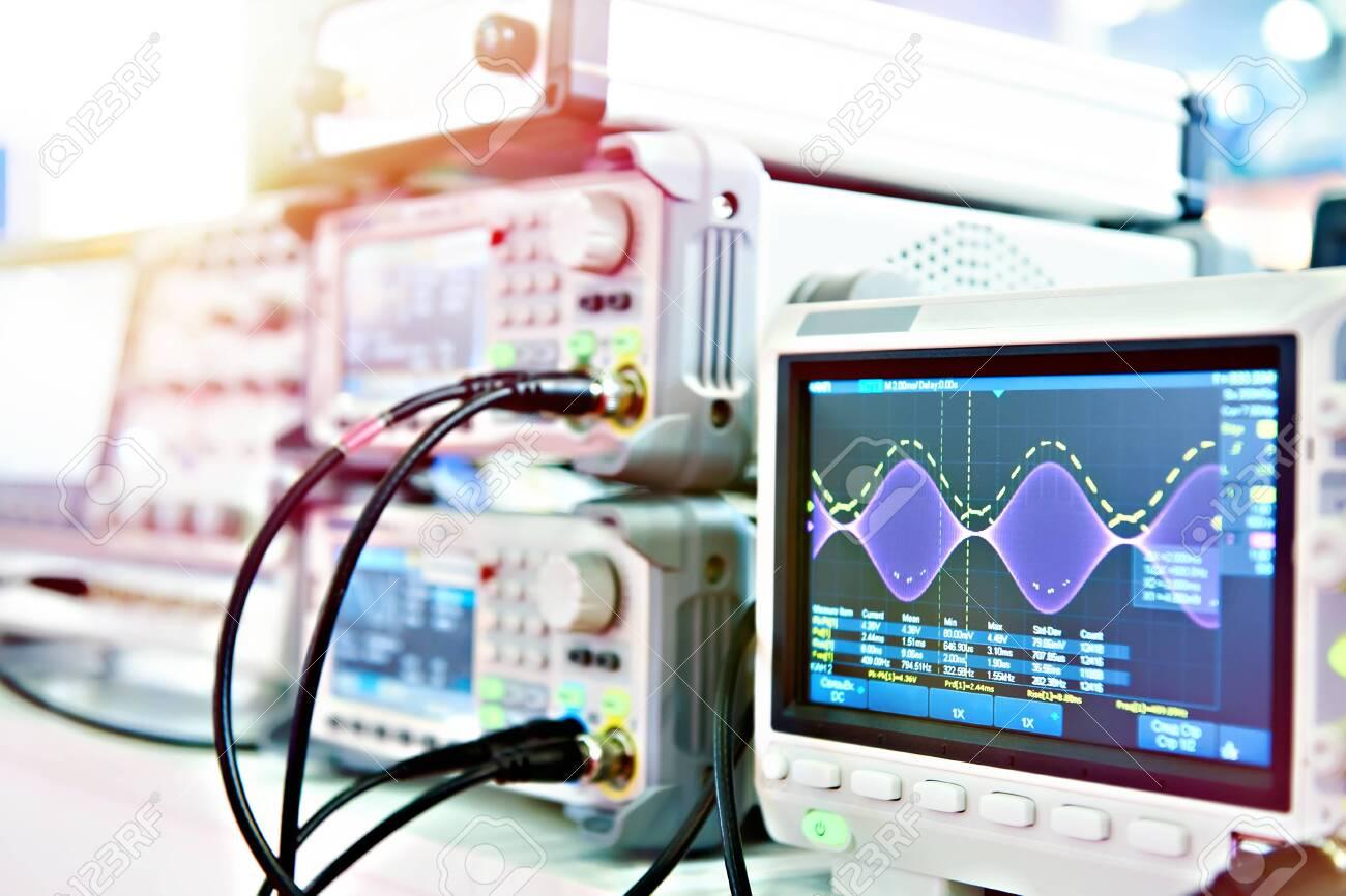 Digital Storage Oscilloscope. Radio measuring instruments - 121322629