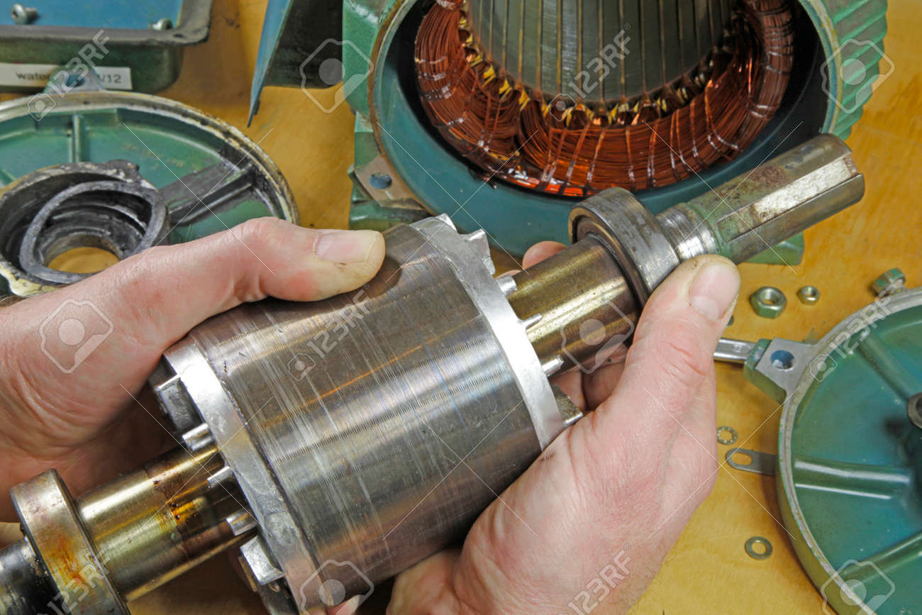 Three phase induction motor bearing repair – A fitter/technician