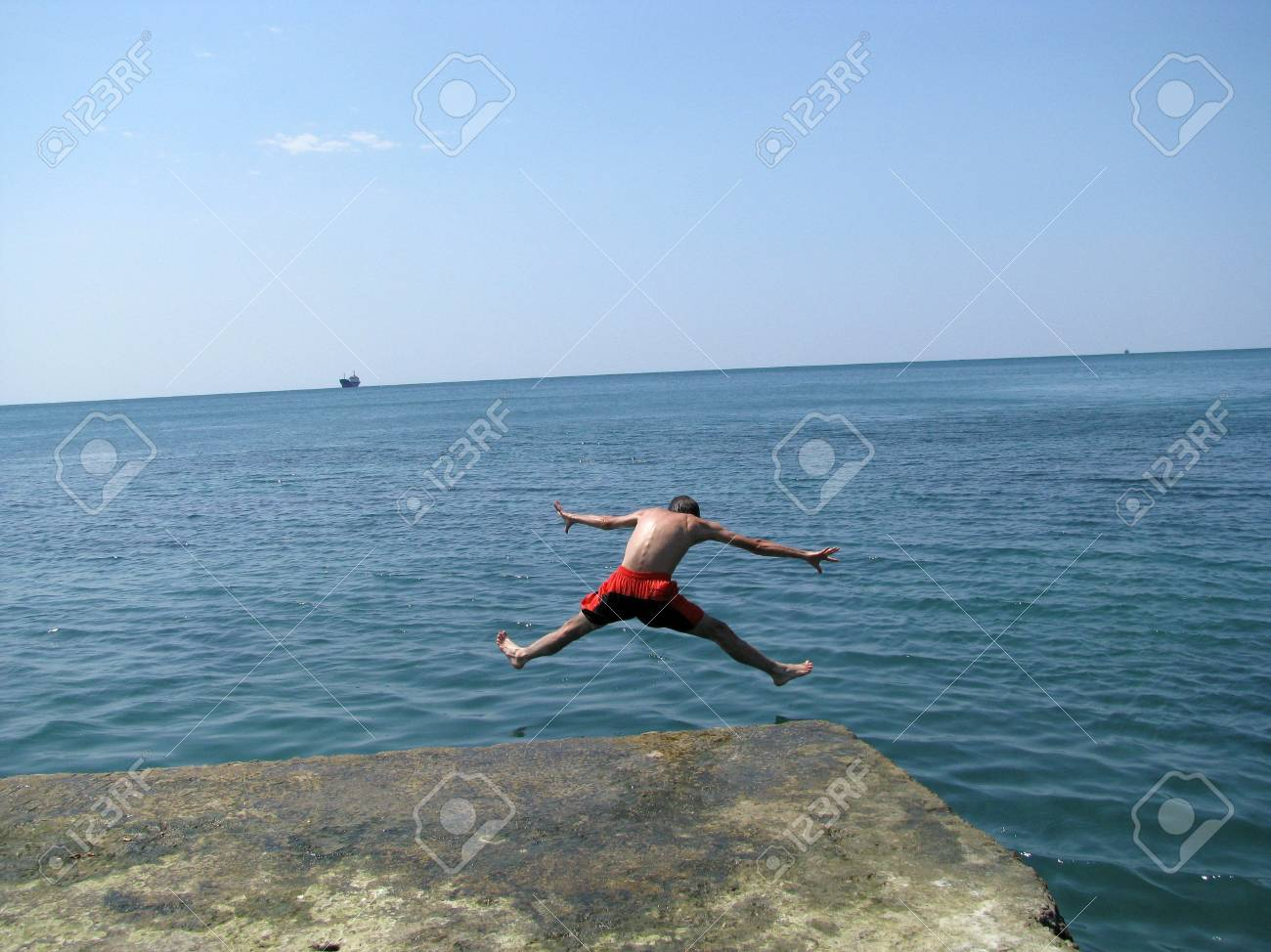 do not repeat, dangerously, horizon, diver Stock Photo - 3851369