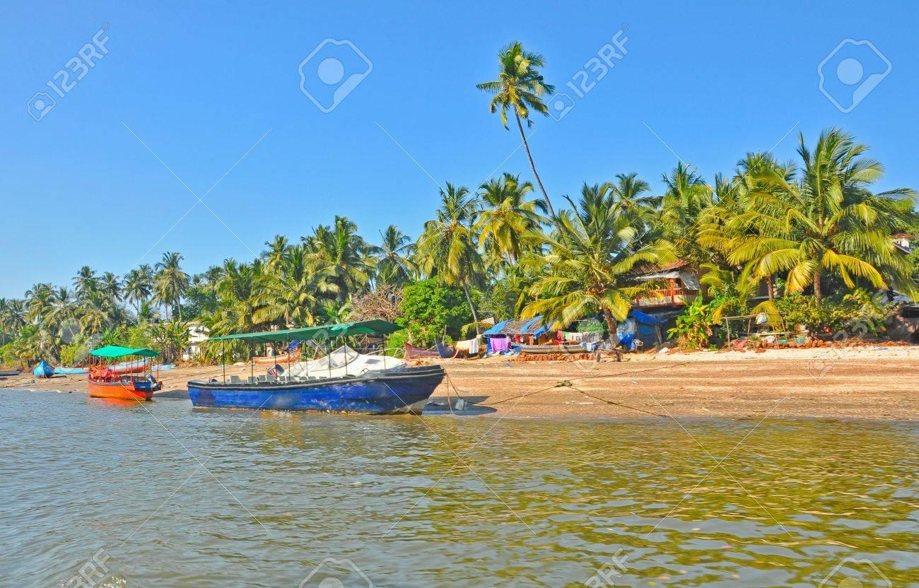 wide shot of sea coast  of goa with motor boats Stock Photo - 17570999