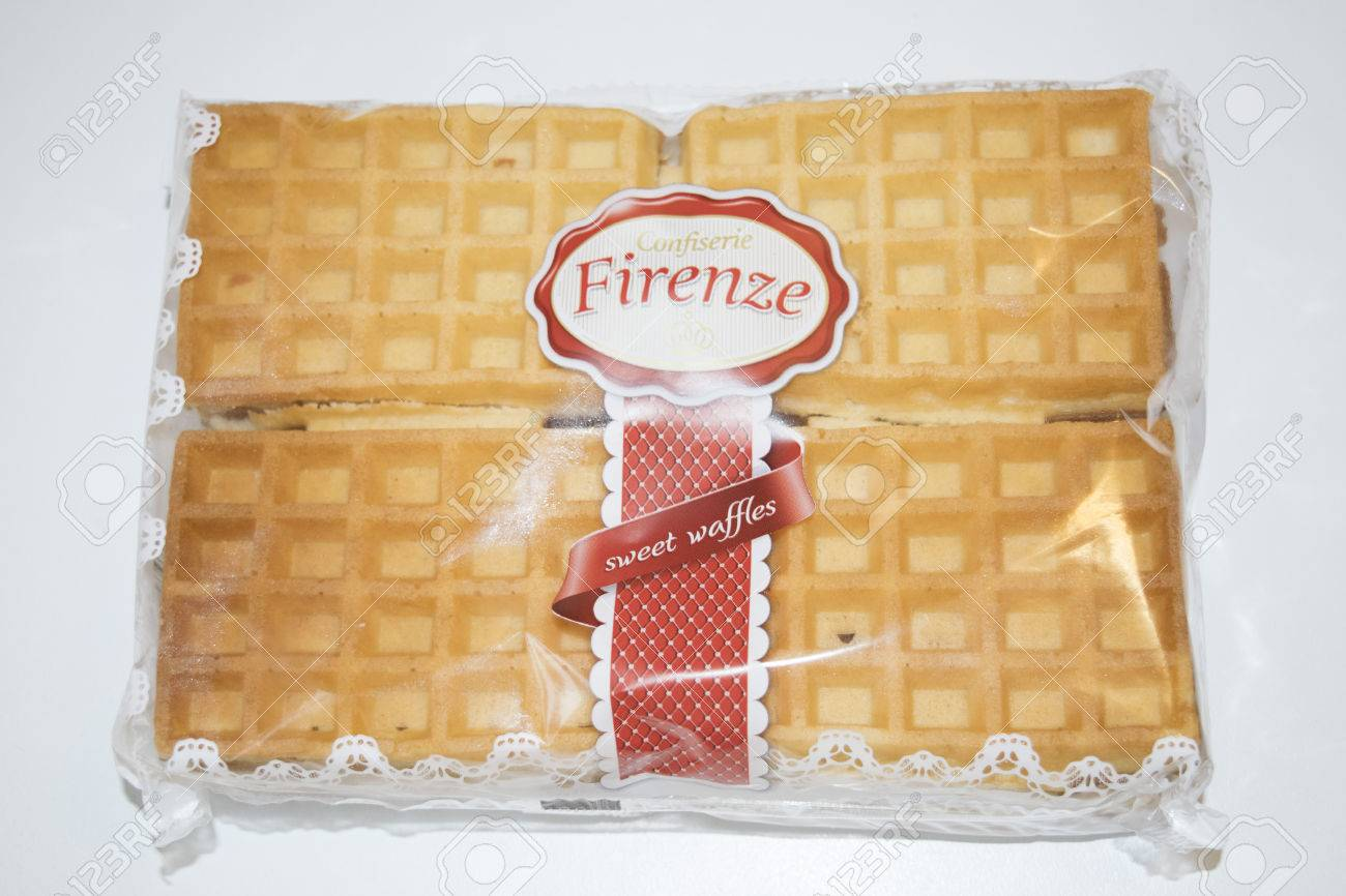 ROMANIA, MEDIAS - Sweet waffles from Confiserie Firenze wrapped in original package, on 15 January 2016 in Medias, Romania. Stock Photo - 51286455