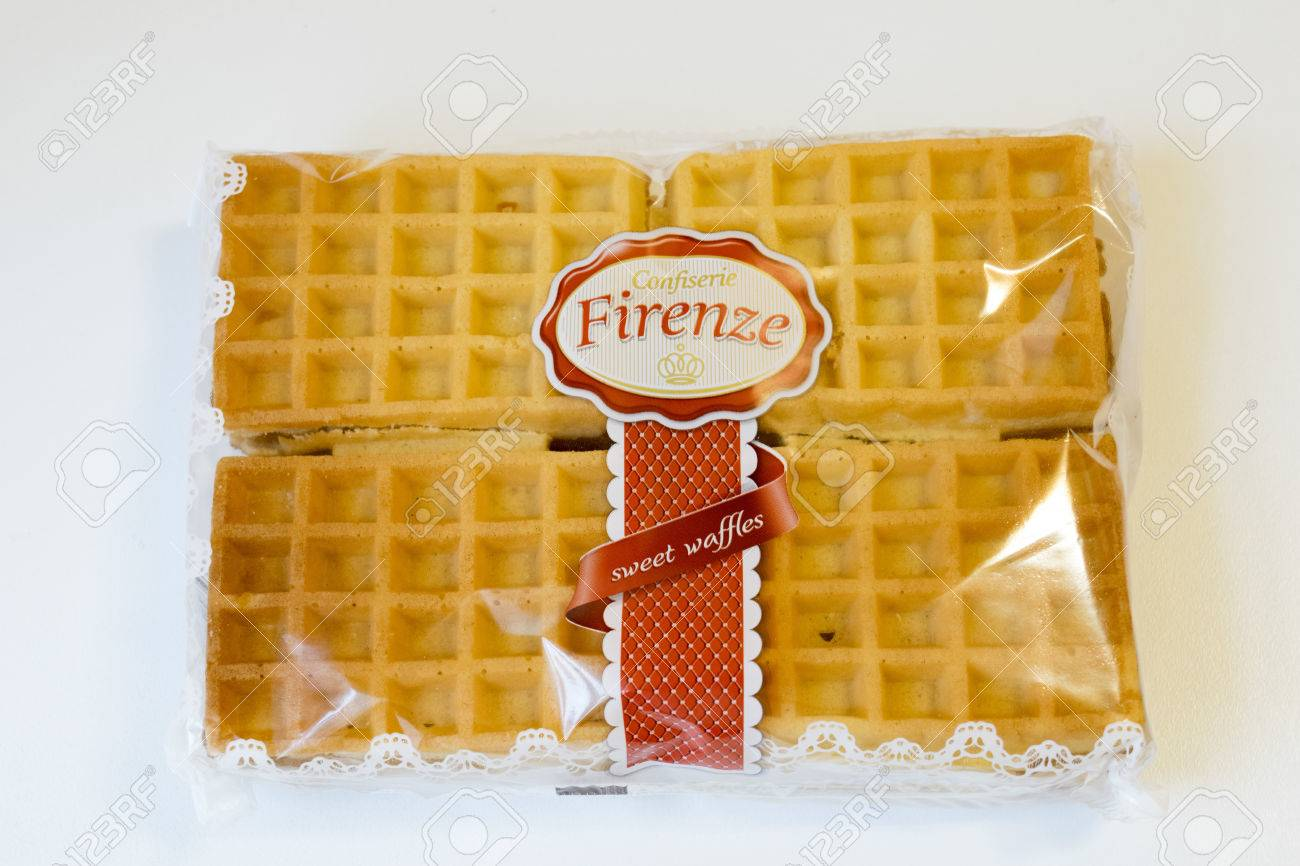 ROMANIA, MEDIAS - Sweet waffles from Confiserie Firenze wrapped in original package, on 15 January 2016 in Medias, Romania. Stock Photo - 51280829