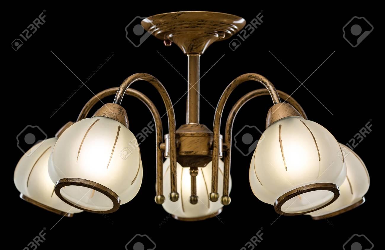 Kronleuchter Für Das Innere Des Wohnzimmers Oder Der Küche. Leuchter  Getrennt Auf Schwarzem Hintergrund.