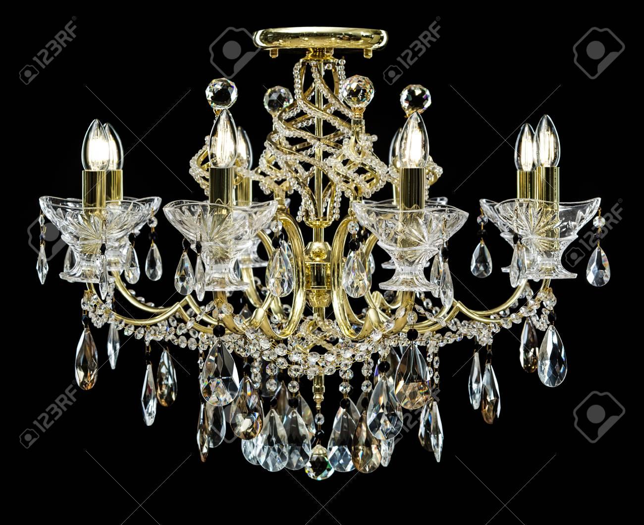 Kristalle Für Kronleuchter ~ Kronleuchter für den innenraum des wohnzimmers. leuchter verziert