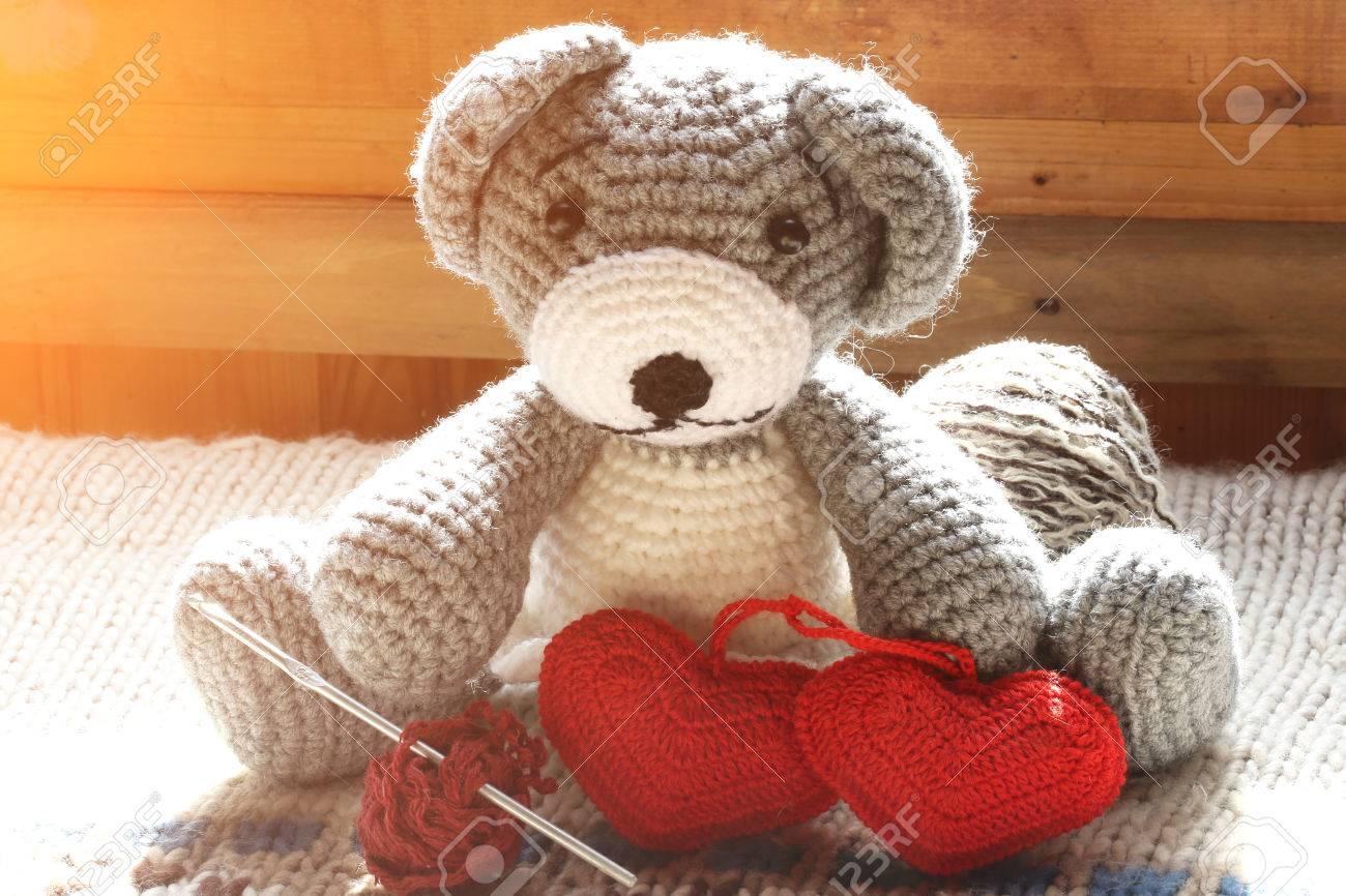 Gestrickten Spielzeug Ein Paar Herzen Ball Aus Wolle Häkeln