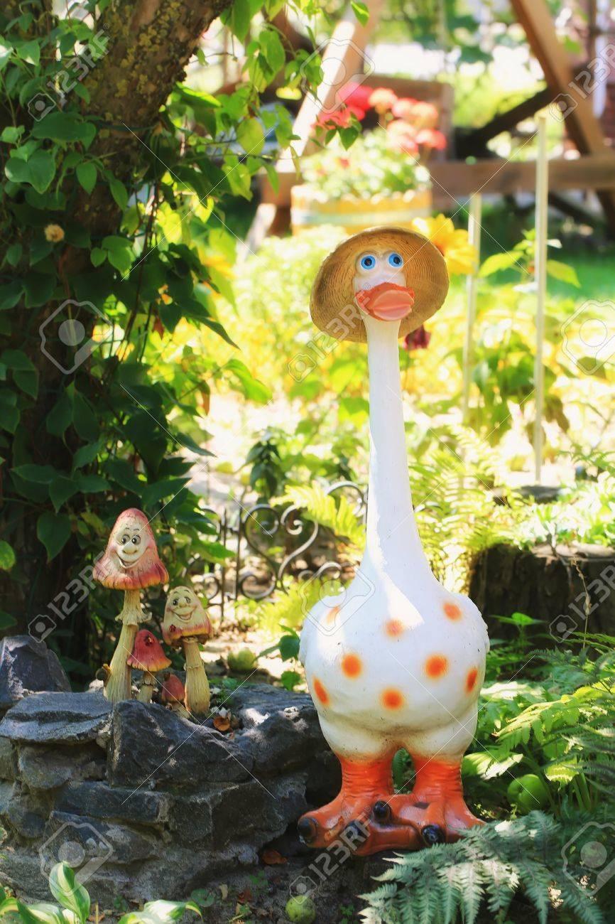 Maison Jardin Champignons Décoration Figurine De Canard Dans La ...