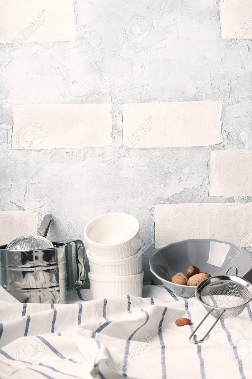 Table De Cuisine Blanche Fond D Ete Rustique Banque D Images Et