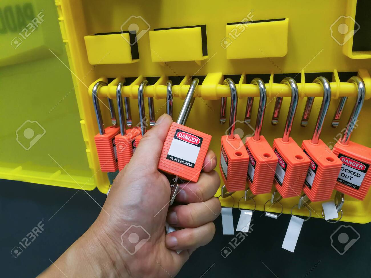 Red key lock and tag for process cut off electrical,the toggle