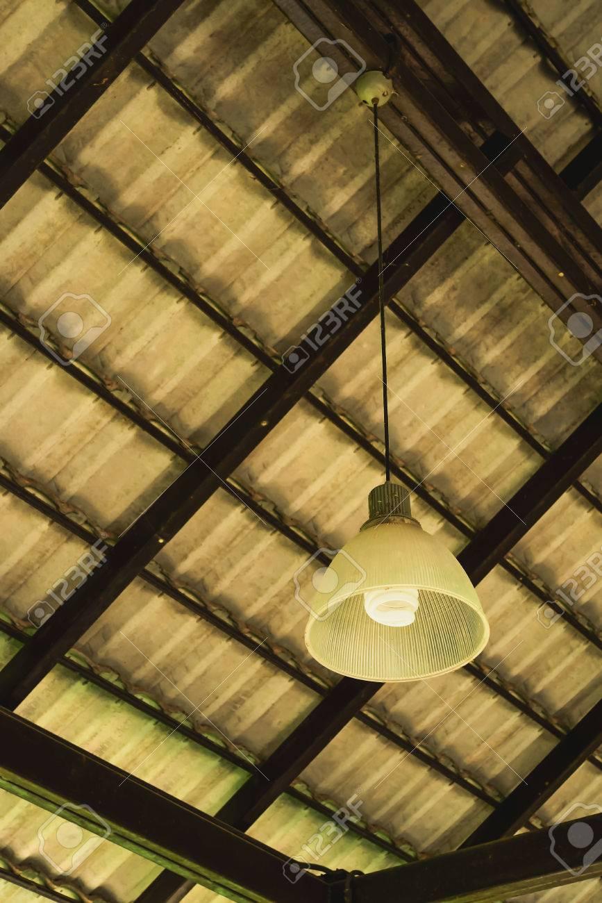 durante de mayoría se limpiar La un será difícil colgantes montadas el usa suciedad tiempola techoCuando en lámparas de las están uiZXPOkT