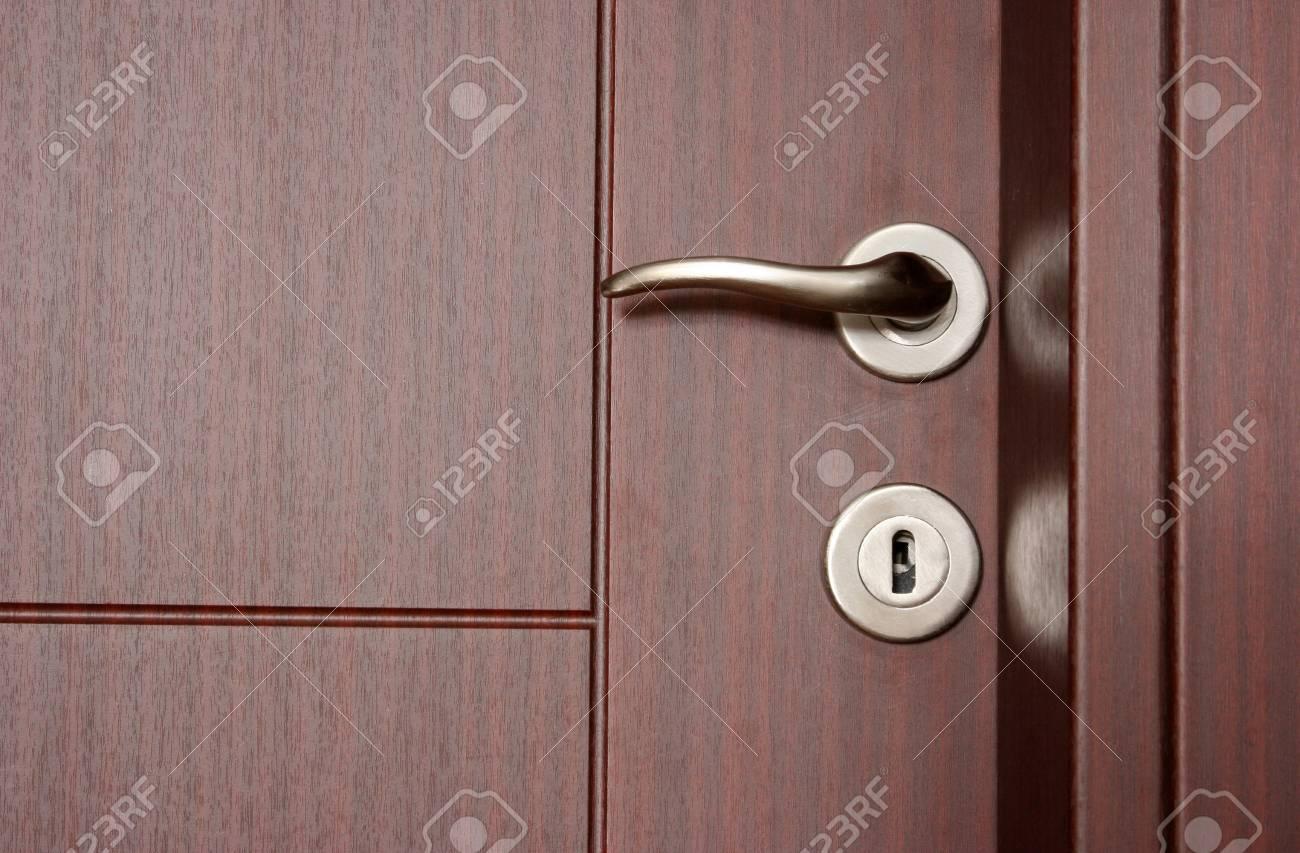 Wood Door Stock Photo - 16188396