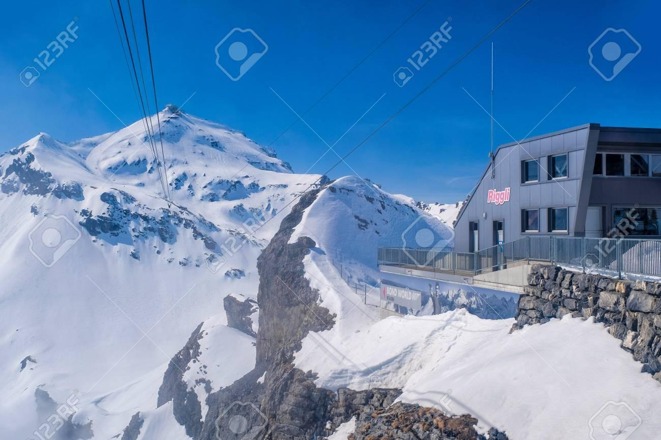 ミューレン、スイス連邦共和国お...
