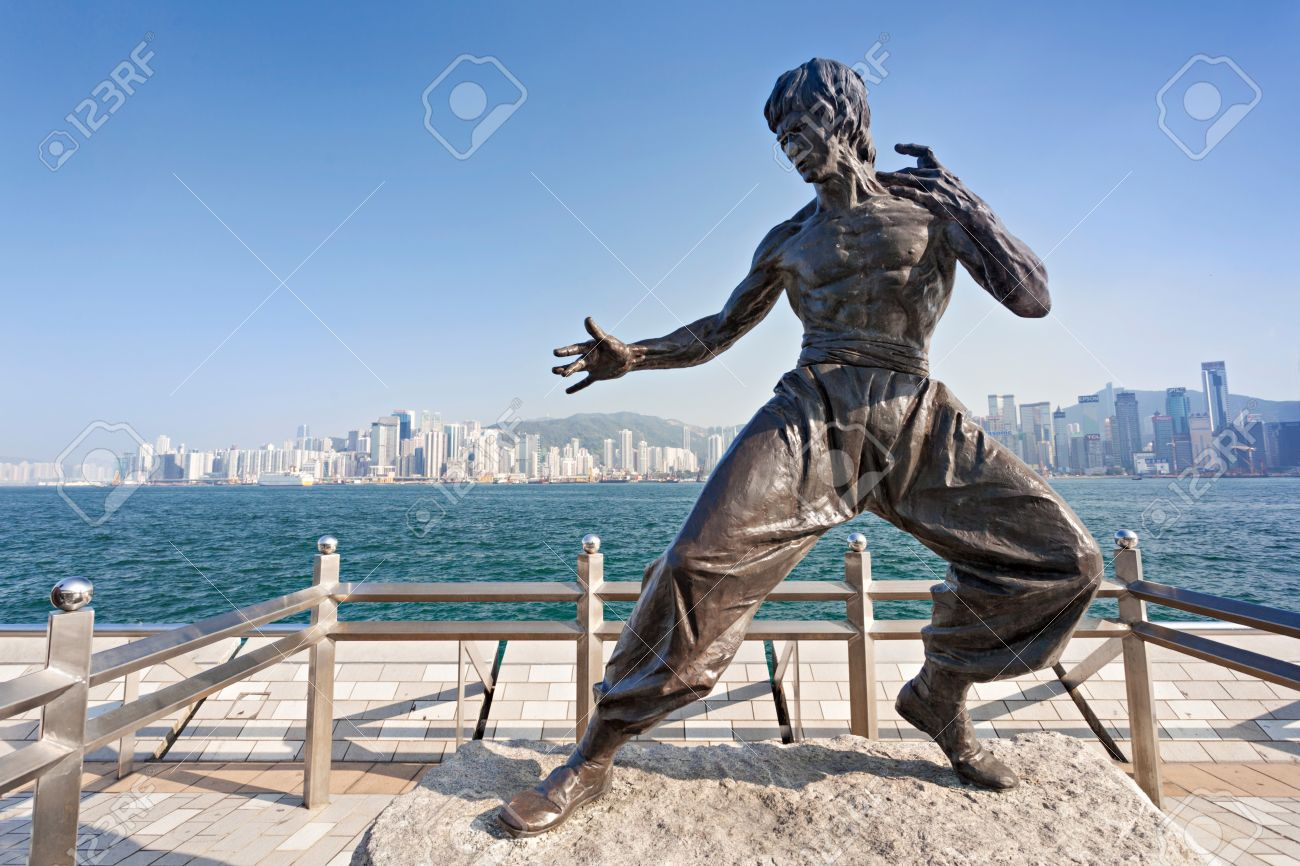 HONG KONG, CHINA - FEBRUARY 21: Bruce Lee statue at the Avenue of Stars on February, 21, 2013, Hong Kong, China. Stock Photo - 22053373