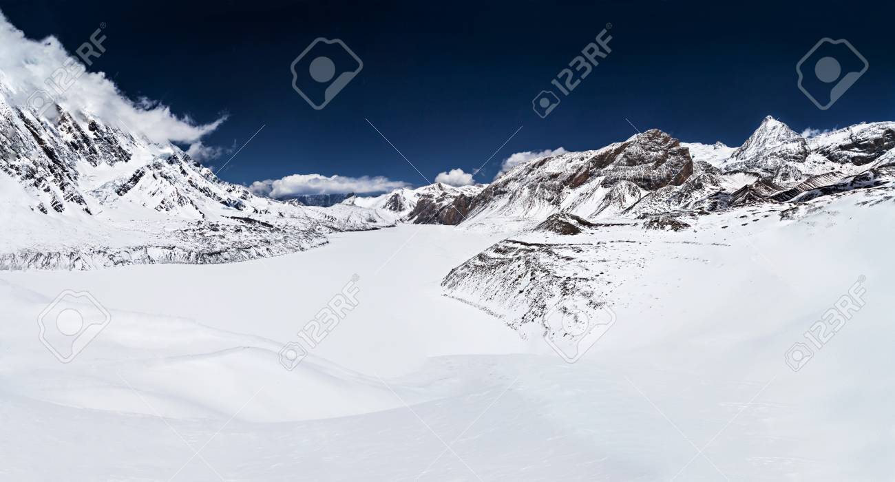 Tilicho lake in the Himalayan mountains, Annapurna region, Nepal Stock Photo - 22100660