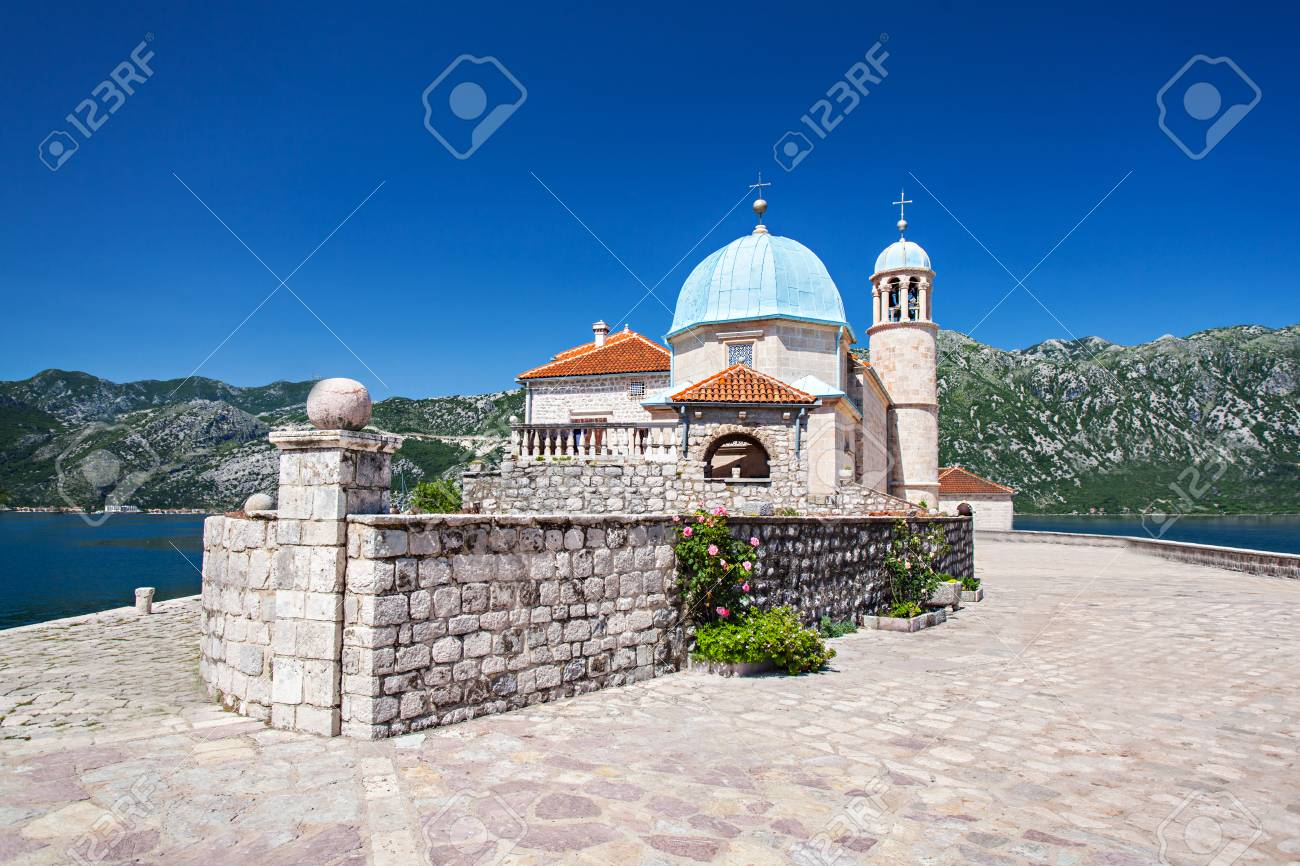 Gospa od Skrpjela (Our Lady of the Rocks), Perast, Montenegro Stock Photo - 28102077