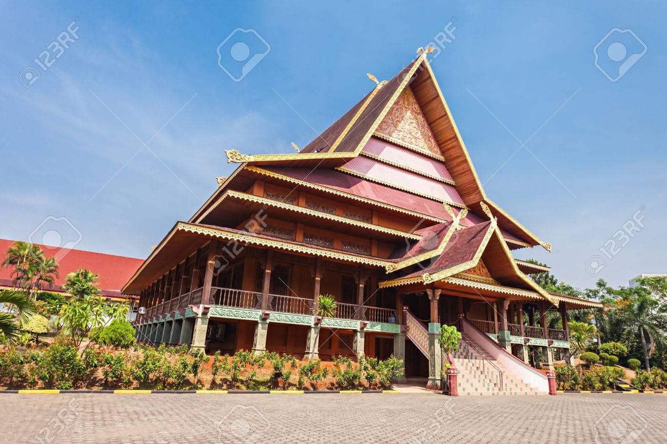 riau pavillon intérieur taman mini indonesia park. banque d'images