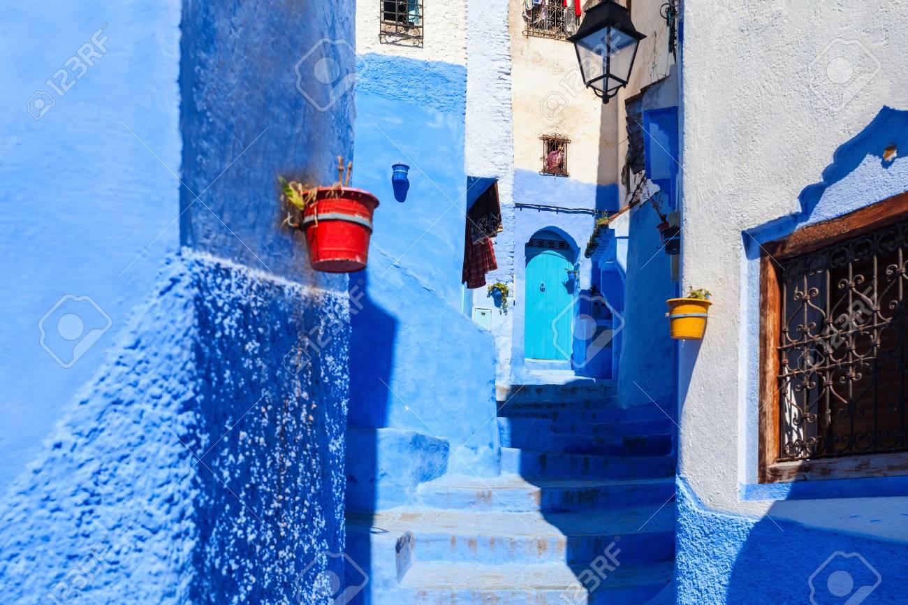 Case Blu Marocco : Immagini stock case blu tradizionali di berbero in chefchaouen