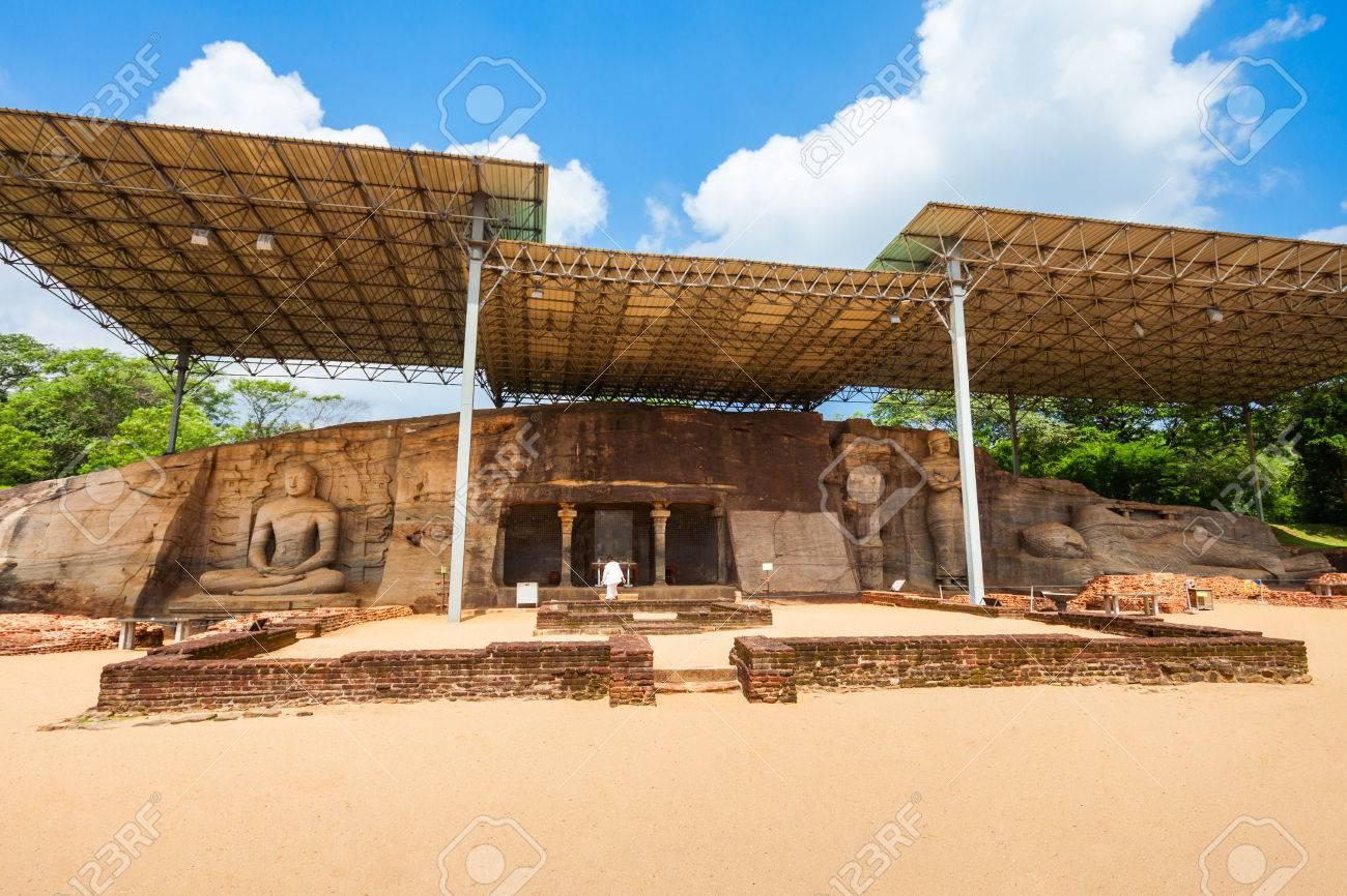 ギャル僧房や Gal Viharaya と当初、Uttararama は仏の石の寺院は ...