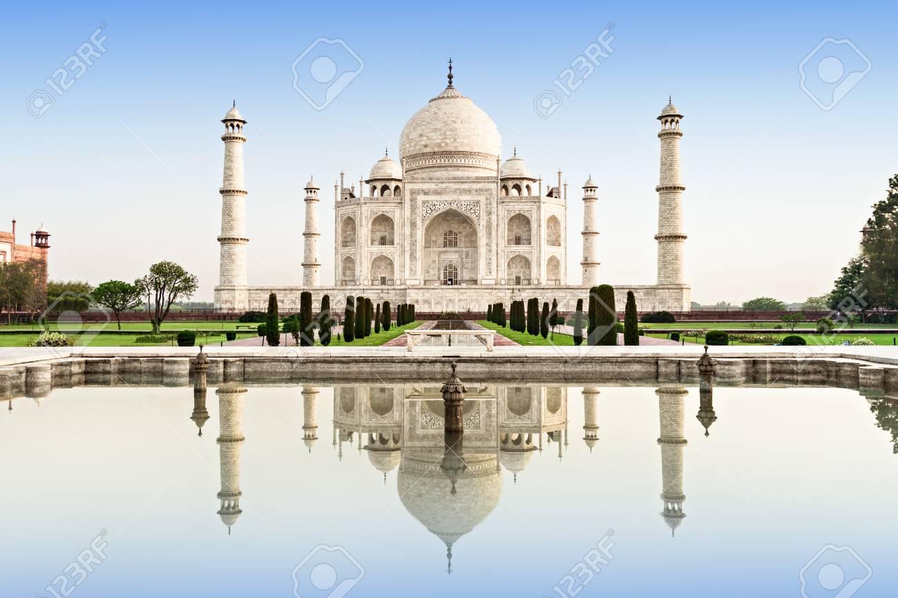 Taj Mahal in sunrise light, Agra, India - 109082528