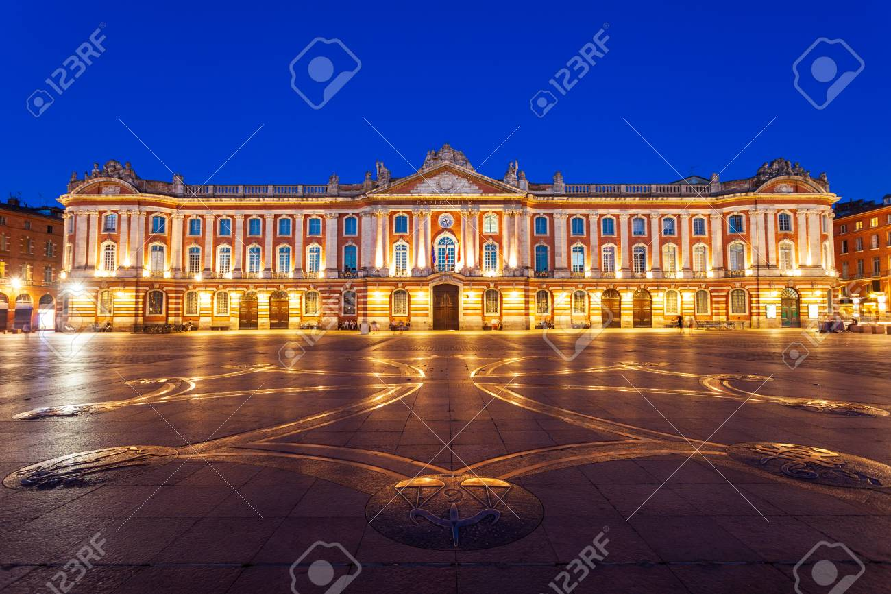 The Capitole or City Hall is the municipal administration of the Toulouse city in France - 119297328