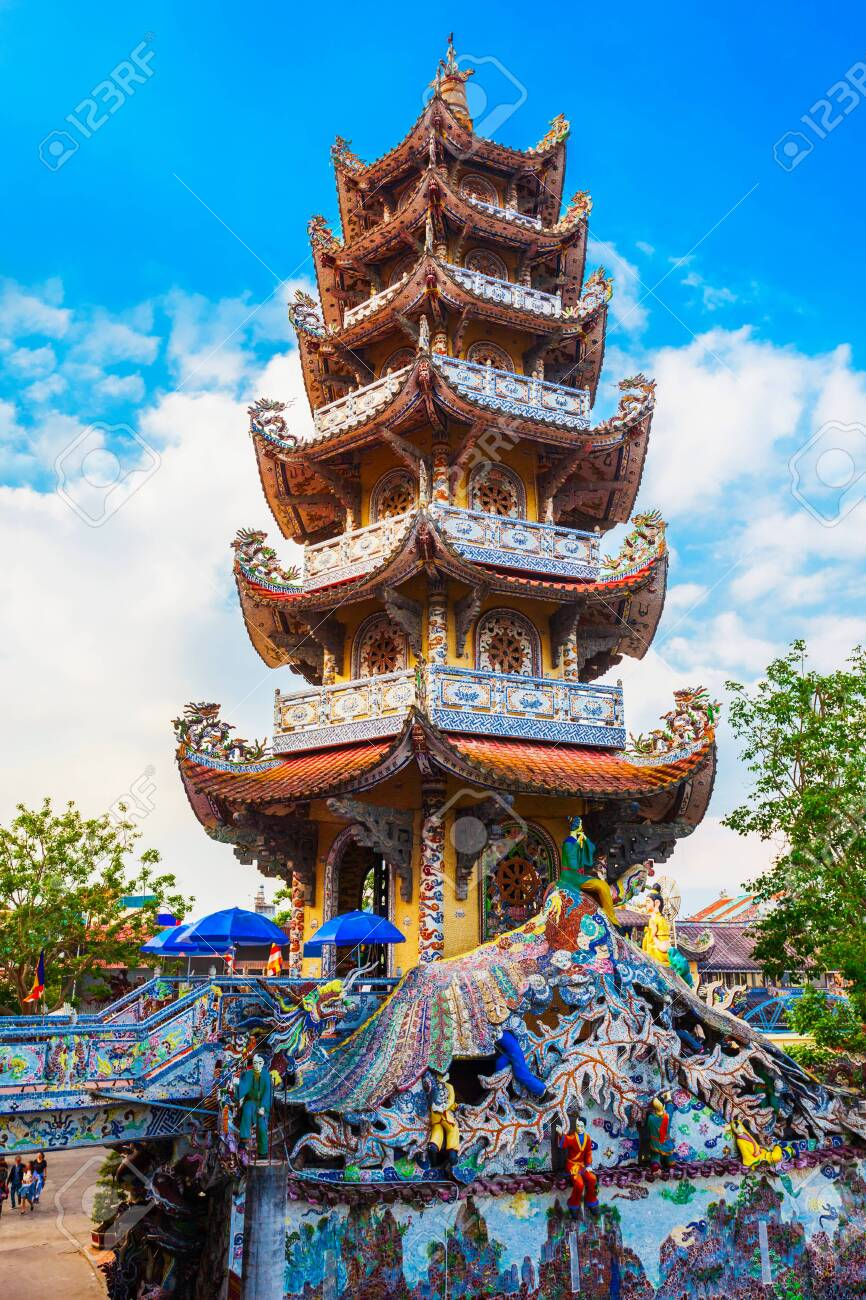 Linh Phuoc Pagoda or Ve Chai Pagoda is a buddhist dragon temple in Dalat city in Vietnam - 120077462