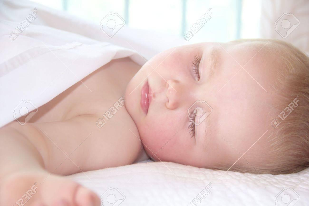 Portrait of sleeping little boy Stock Photo - 16575453