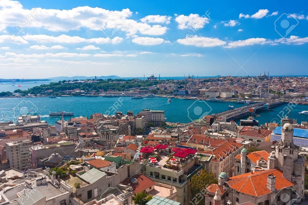 Vue Panoramique Sur La Corne D\'Or De La Tour De Galata, Istanbul ...