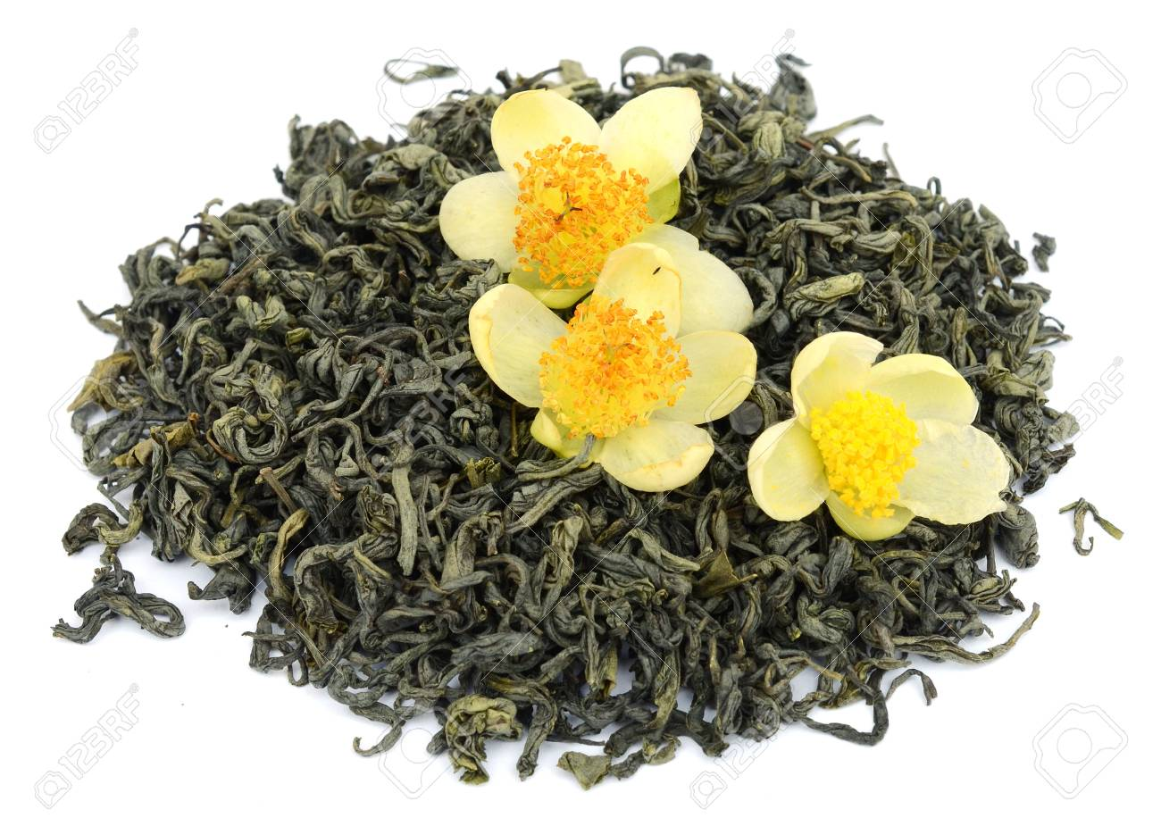 Oolong tea dahongpao isolated on white background - 118101800