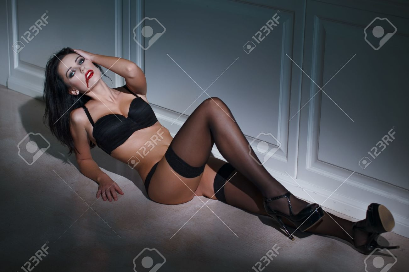 Sexy female vampire pictures erotic pic