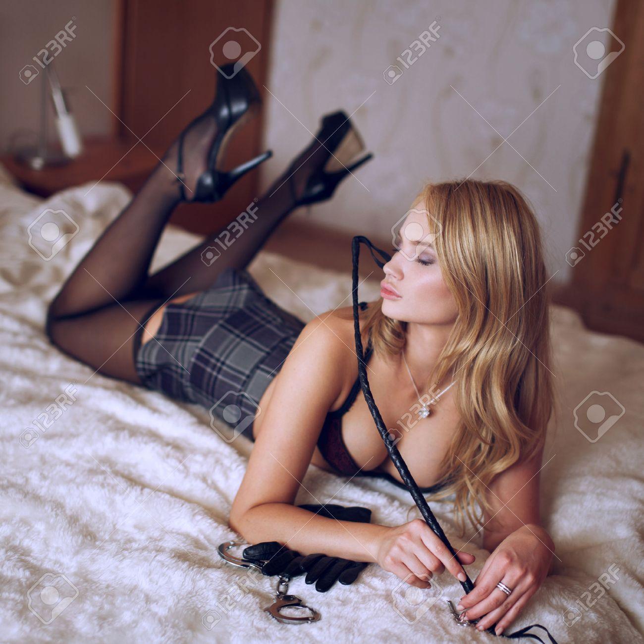 Deep penetration threesome video