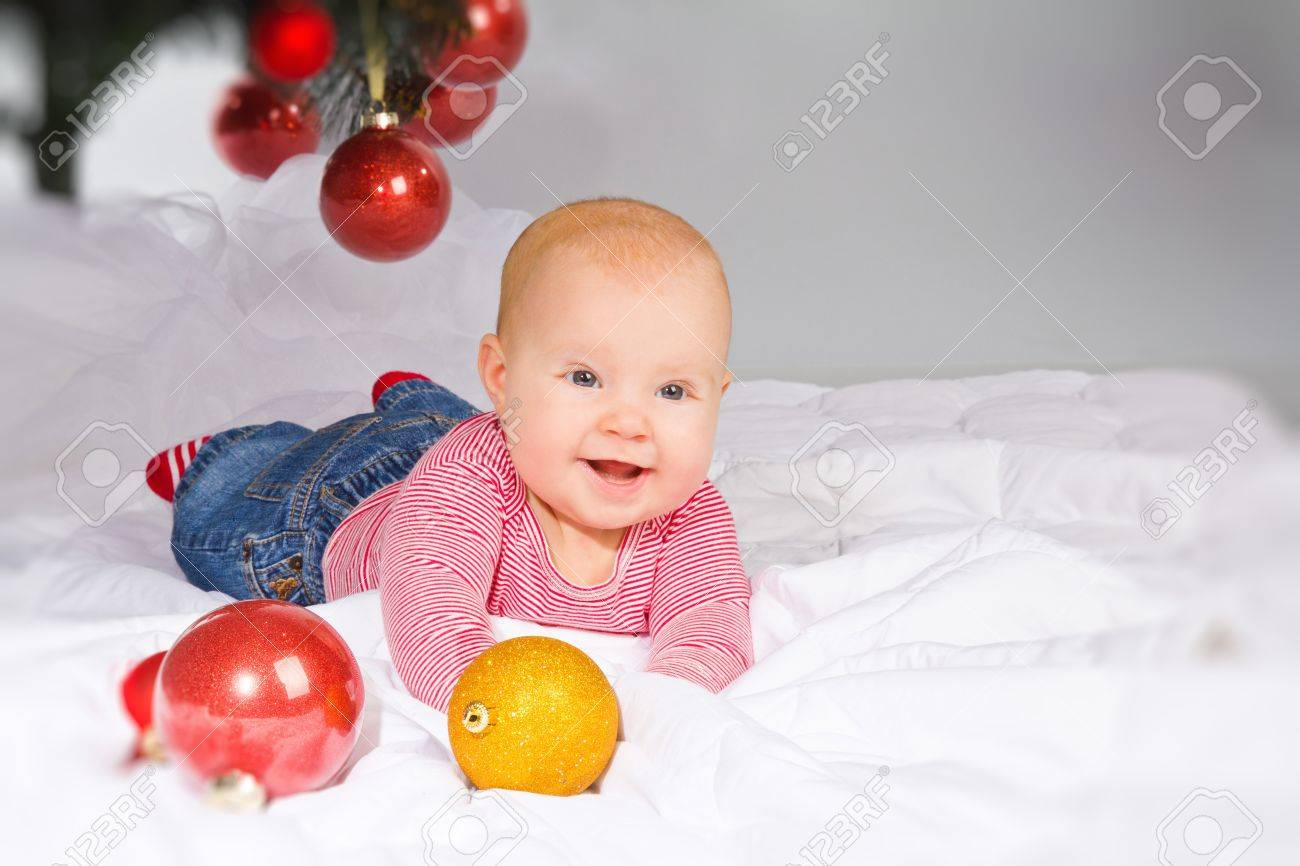 little girl - 4 month old, christmas Stock Photo - 12501006