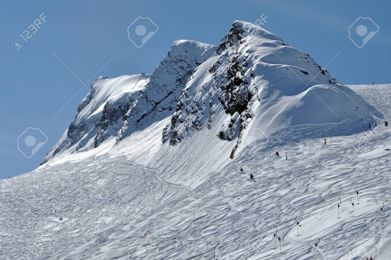 Slopes in Kitzsteinhorn ski resort, near Kaprun, Austrian Alps Stock Photo - 12669142