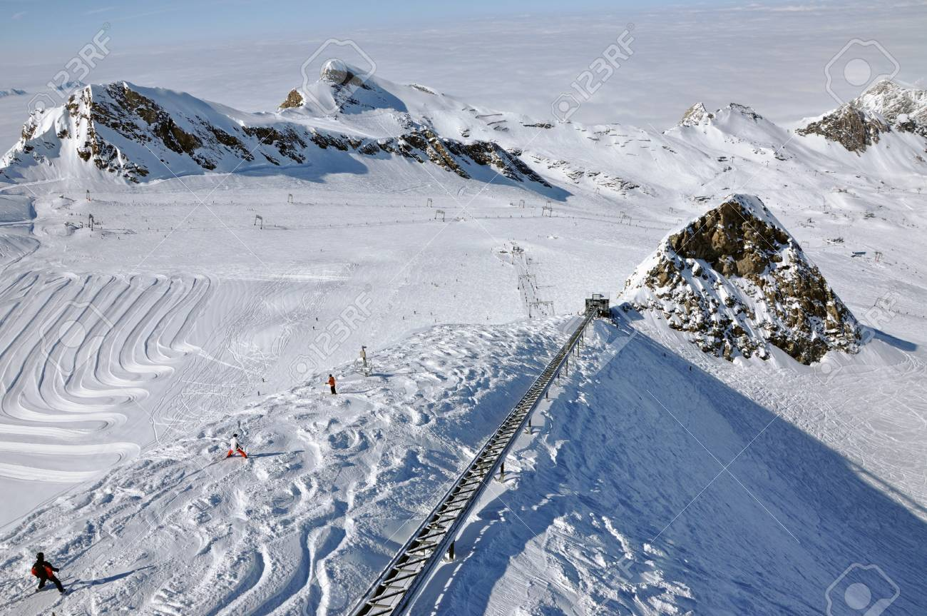 Skier going down the mountain on a slope in a sunny day  Kitzsteinhorn, Austria Stock Photo - 12850393