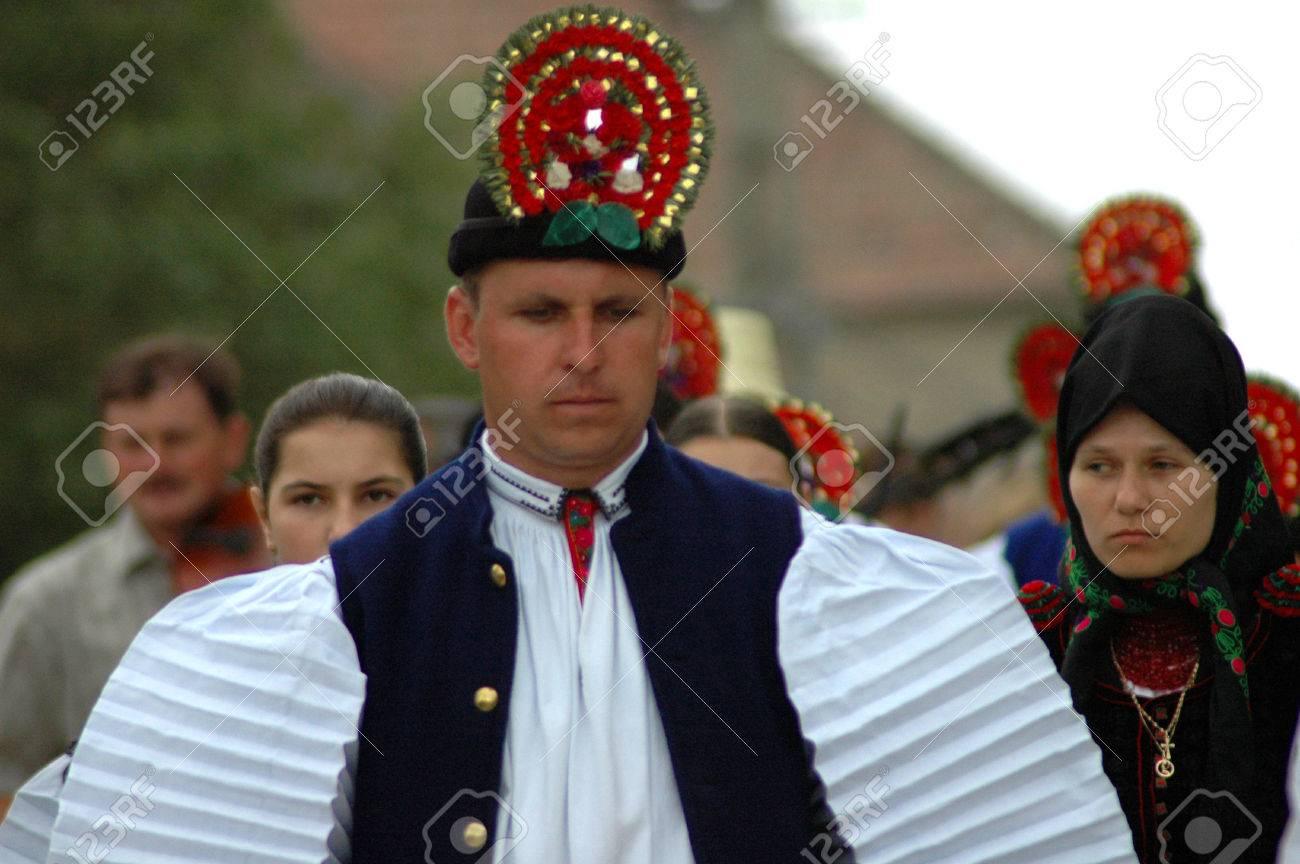 Ungarische kleidung traditionelle Kimono und