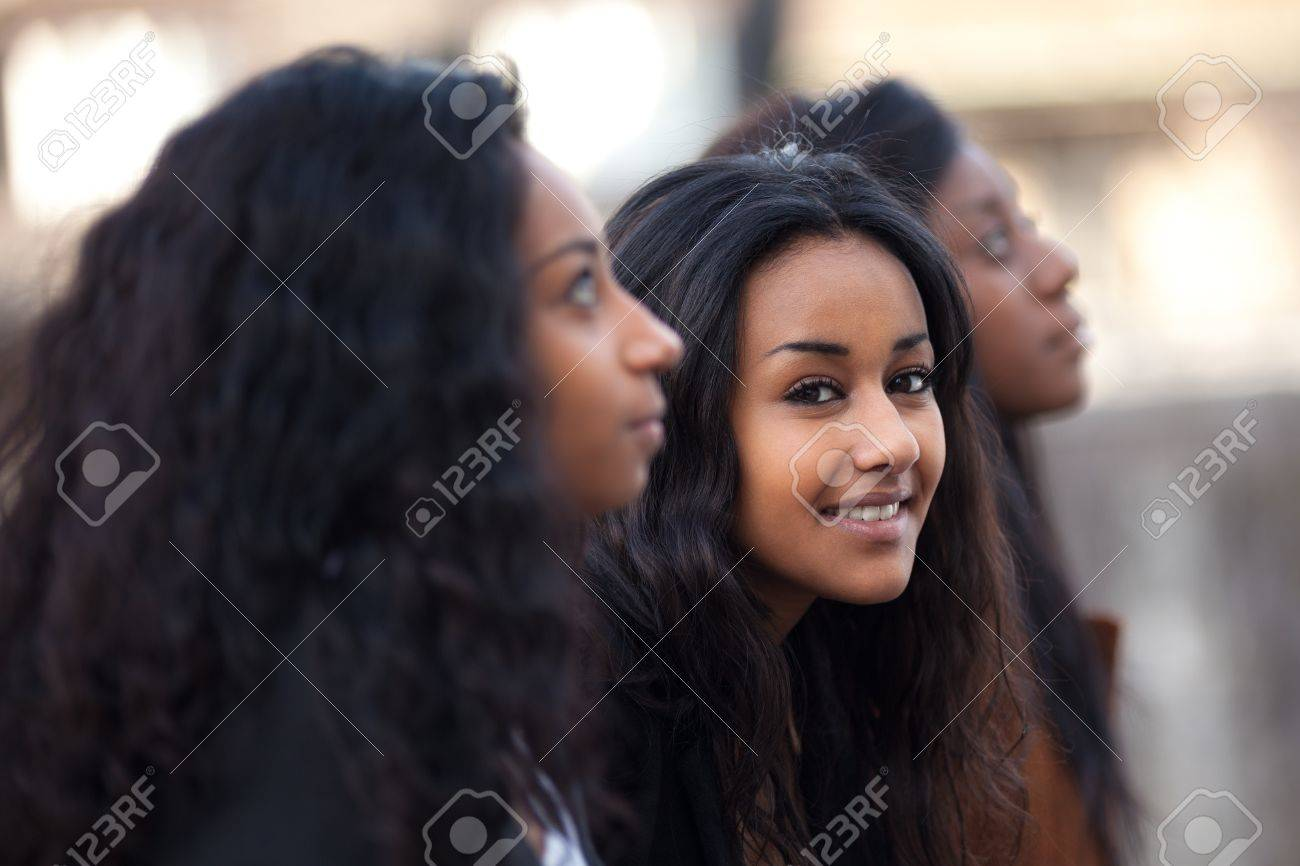 Outdoor Portrait  of happy youngs african american teenage girl Stock Photo - 12956950