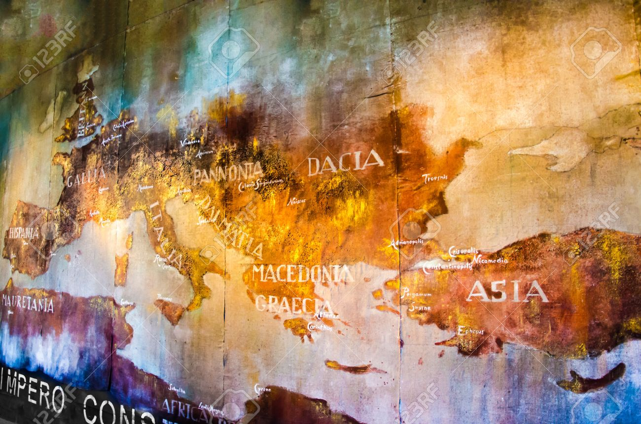 Old Map of roman empire painted on the wall of roman Colosseum Banque d'images - 28428555