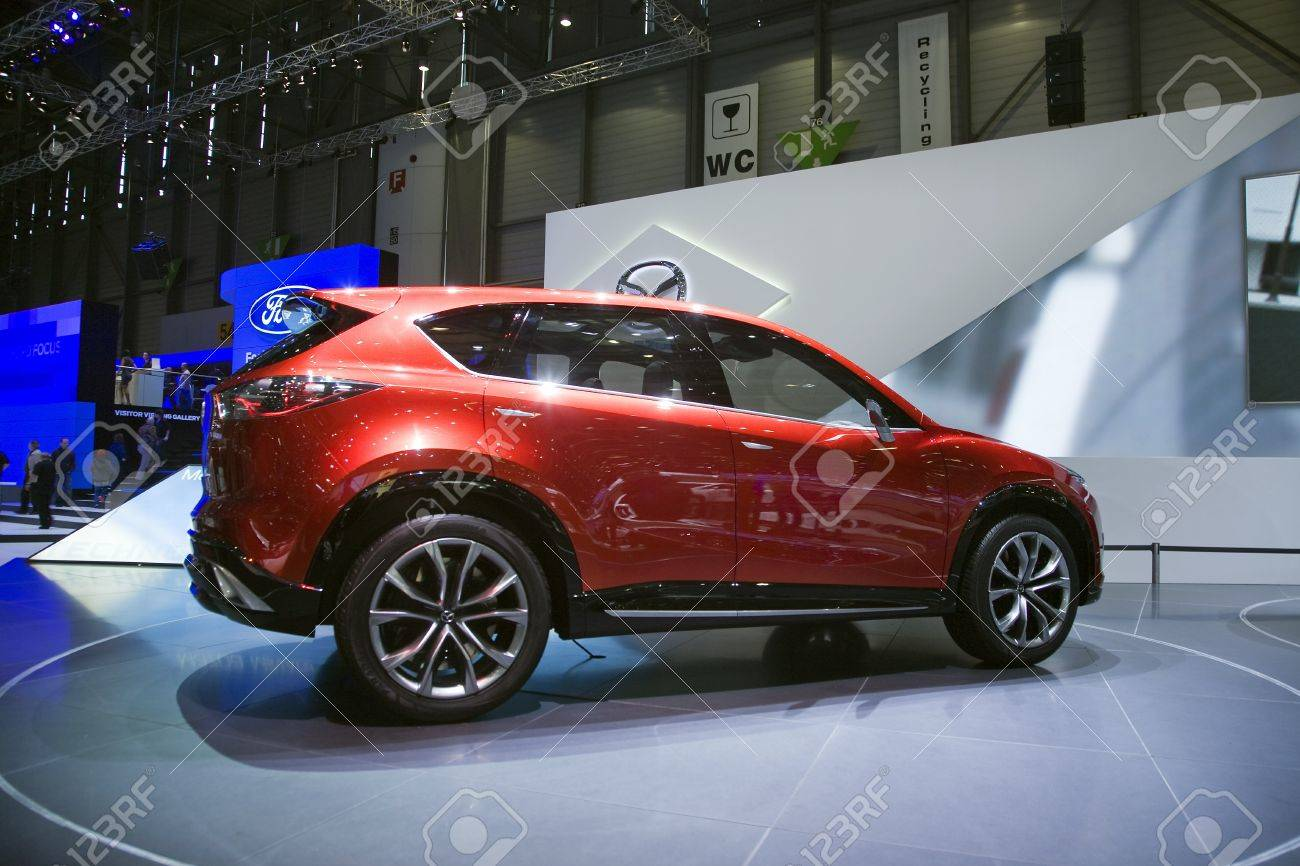 https://previews.123rf.com/images/samihaqq/samihaqq1209/samihaqq120900164/15453386-geneva-switzerland-march-4-2011-mazda-minagi-crossover-concept-car-is-presented-at-the-annual-motor-.jpg
