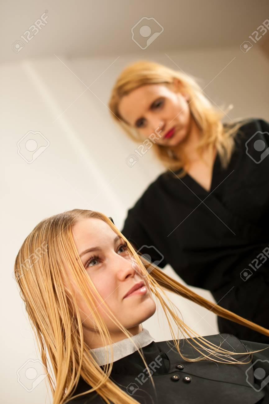 Девушка модель работы с заказчиком алоизия вебер