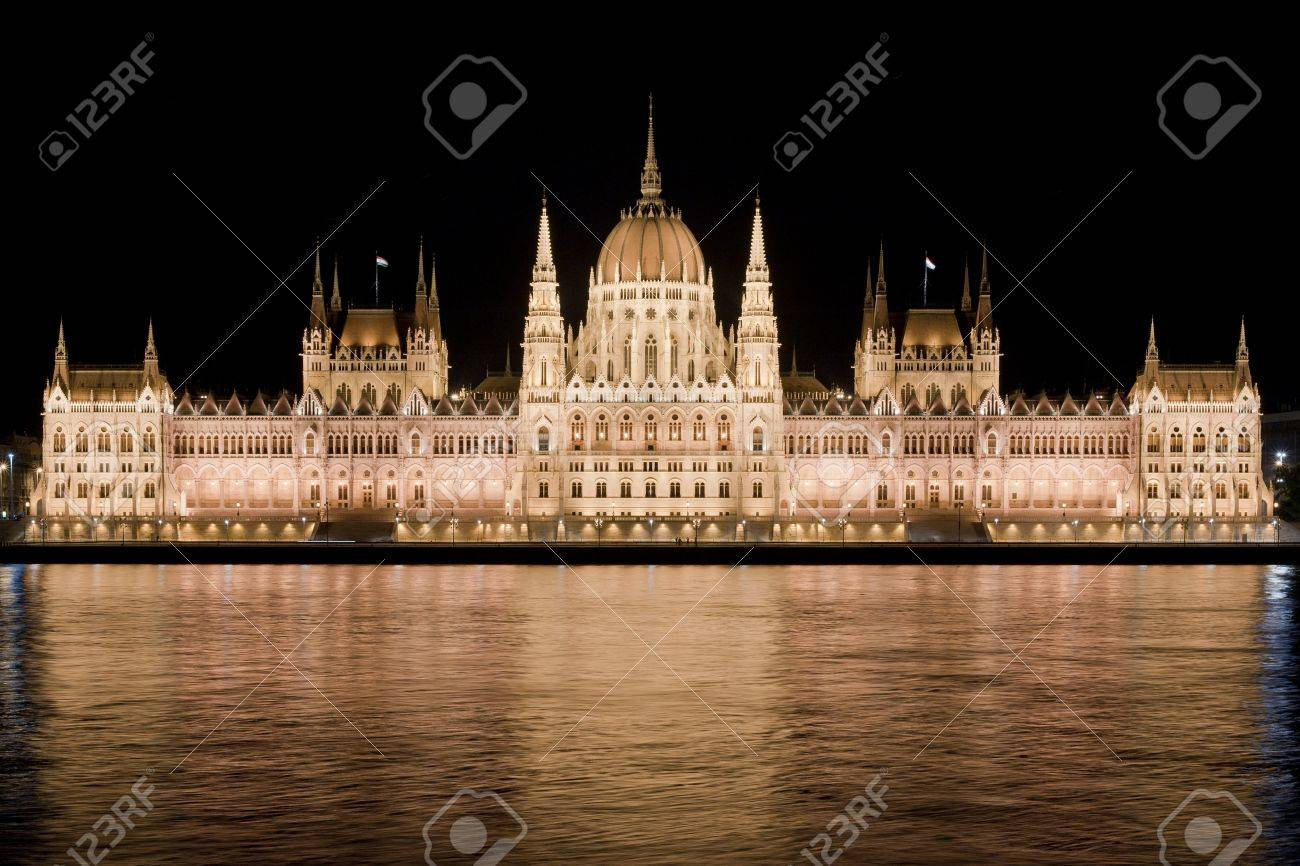 Nighttime view of Hungarian Parliament reflecting in the Danube river in Budapest Stock Photo - 14629517