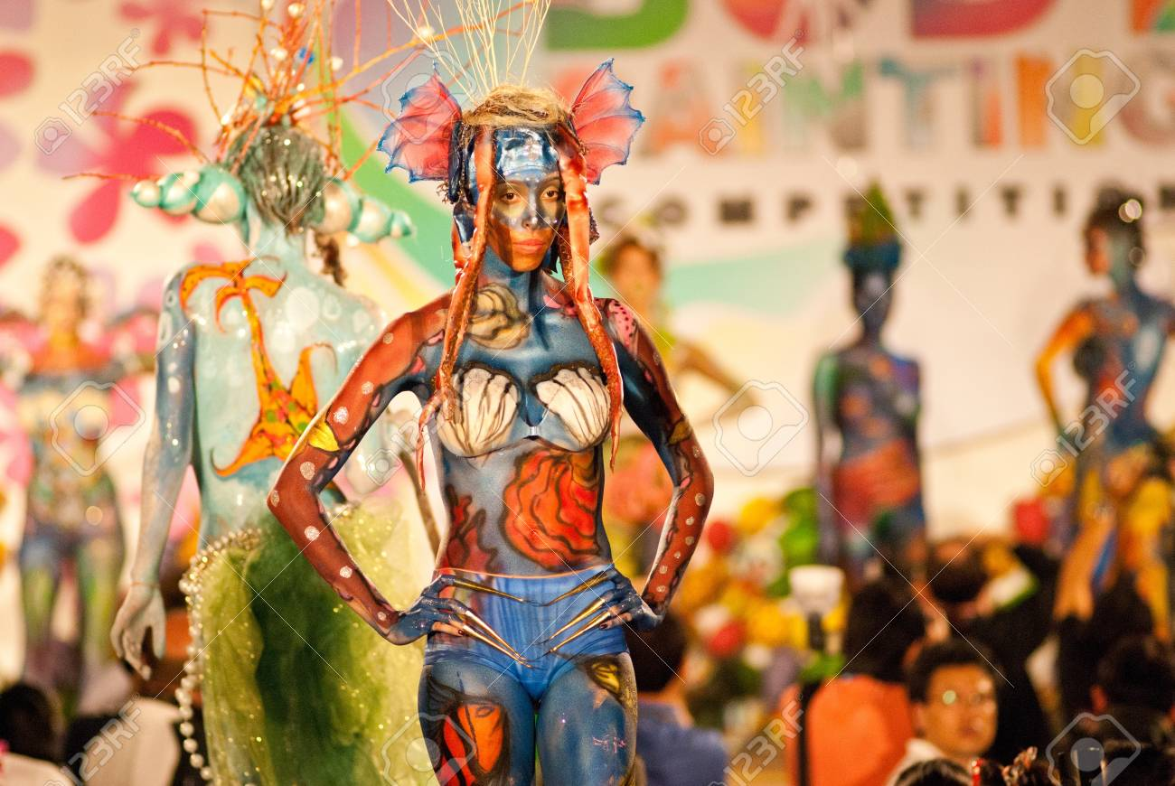 KO SAMUI, THAILAND - MARCH 26,2011 - Model picture body painting in Ko Samui island, Thailand. The first body painting in asia. Stock Photo - 9564536