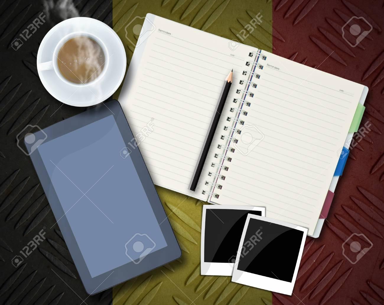 Oggetti Per Ufficio : Oggetti per ufficio blocco note tablet computer cornici tazza di
