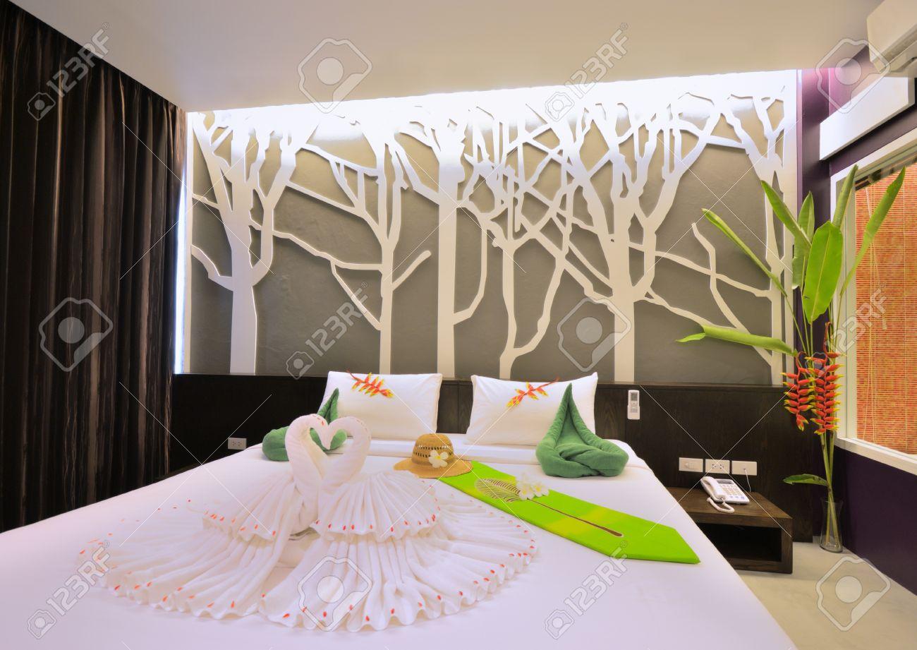 Luxury bedroom interior design for modern life style. Stock Photo - 15719713