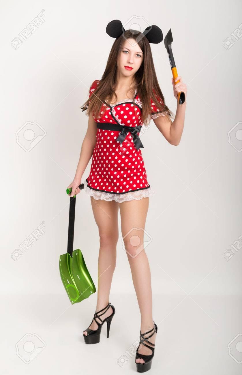 Grosse Bruste Schone Junge Madchen In Einem Kurzen Kleid Mit Tupfen